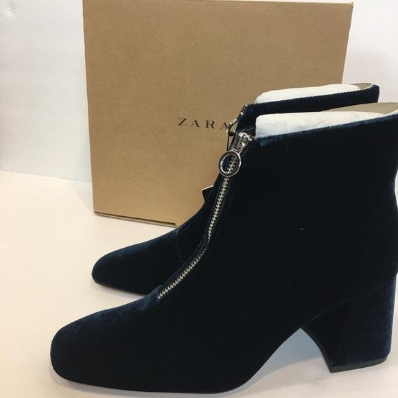cc82632b4bb ZARA Women Ankle Boot Sz 8 Blue Velvet Chunky Heel